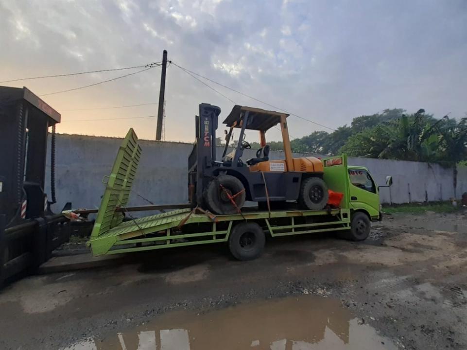 Sewa Forklift Karawang