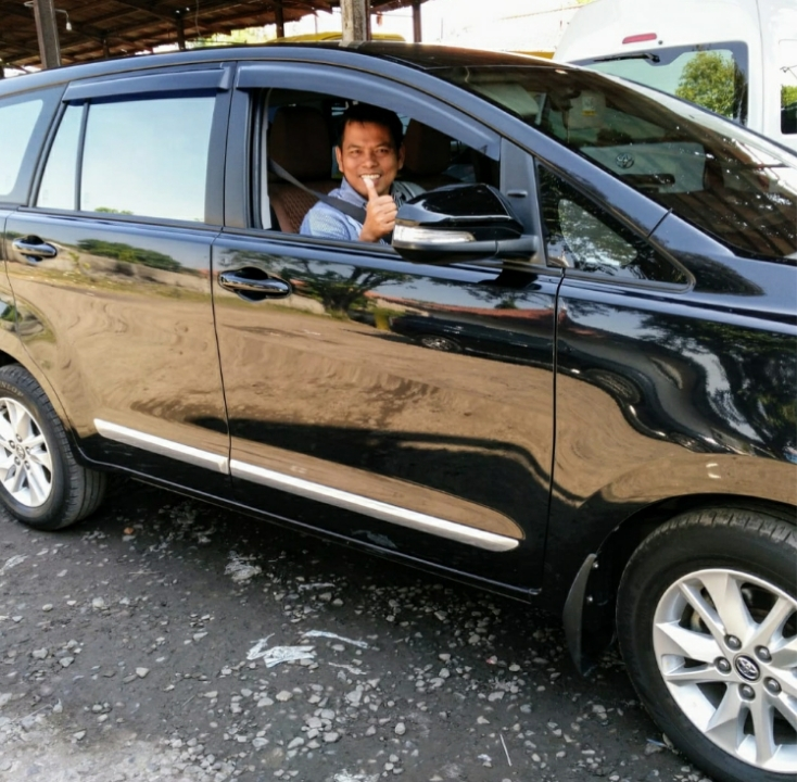 DS Transport Rental Sewa Mobil Murah Plus Driver di Surabaya